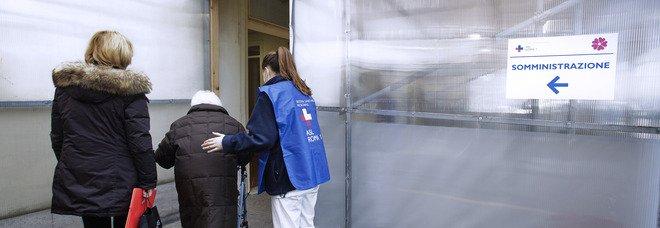 Vaccino, la supernonna di Avellino cammina per 15 chilometri: «Volevo essere vaccinata»