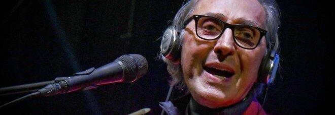 Battiato, un centro di gravità permanente: a Verona la cura della canzone