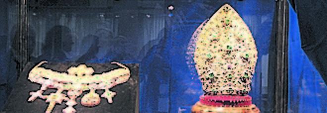 Giovane orafa realizza un gioiello per il tesoro di San Gennaro