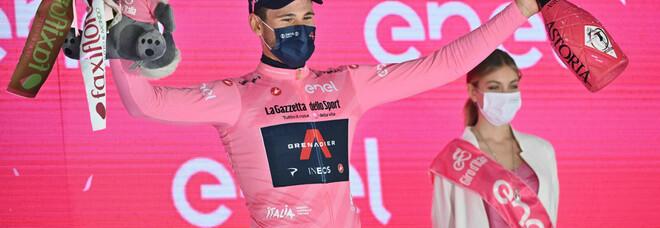 Giro d'Italia, Enit sulla maglia rosa indossata dal campione Ganna