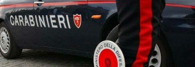 Bari, tenta di ingoiare 11 dosi di cocaina per sfuggire ai carabinieri: salvata in extremis