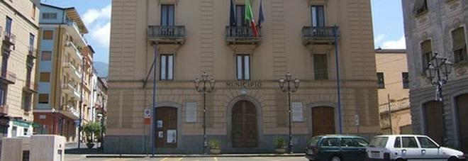 Risultati immagini per ARREDARE GABINETTO SINDACO PIANO S8
