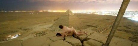 Sesso sulla piramide di Cheope, arrestati due egiziani fiancheggiatori