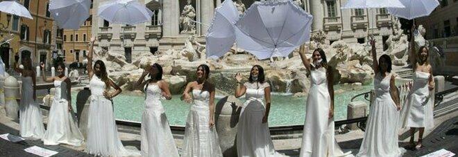 Flash mob di spose lo scorso luglio contro il rinvio forzato dei matrimoni causa Covid