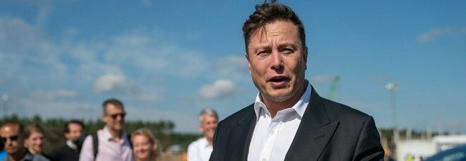 Incidente Tesla, Elon Musk: «Il pilota automatico non era in funzione»