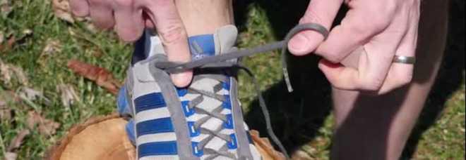 A cosa servono i fori aggiuntivi per i lacci delle scarpe da running  Ecco  la risposta -Guarda 83a255aff1c
