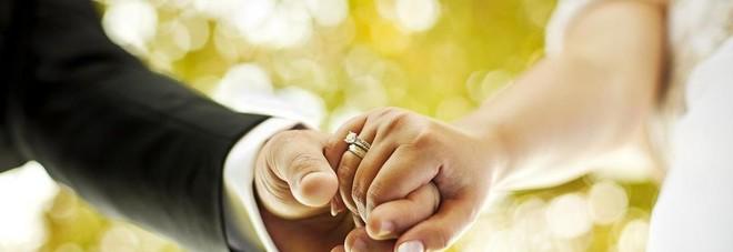 Coronavirus, il padre della sposa è positivo e contagia 76 invitati: il matrimonio in Giordania diventa un caso di studio