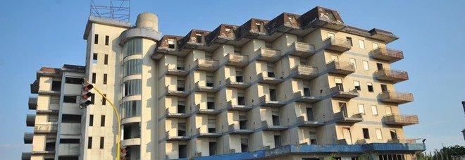 L'ex Hotel Houston ha un proprietario: aggiudicata l'asta per l'hotel abbandonato