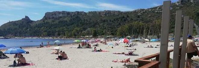 Sardegna zona bianca, pronta l'ordinanza: test obbligatori per l'ingresso dei turisti