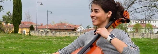 Giulia, la violoncellista sorda tornerà a sentire grazie all'Inner Wheel Club Padova