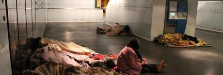 Ondata di freddo su Napoli, aperte le stazioni metro per i senzatetto