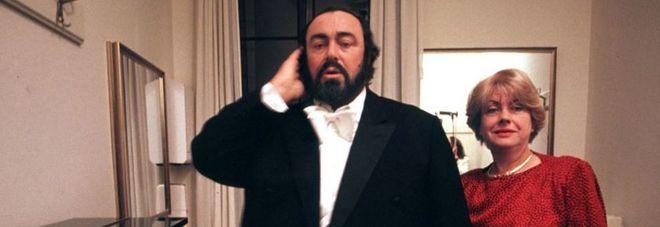 Luciano Pavarotti con la prima moglie Adua Veroni