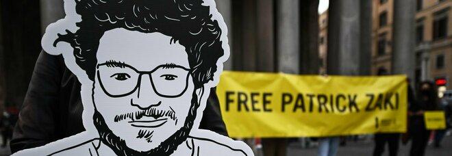 Egitto, Patrick Zaki resta in carcere per altri 15 giorni. La legale: «Speravamo nella scarcerazione»