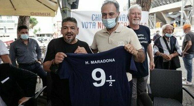 Comunali a Napoli, Hugo Maradona è un caso: si candida senza cittadinanza