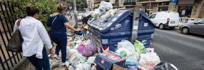 Il calvario dei rifiuti: mezzo milione di proteste a Roma