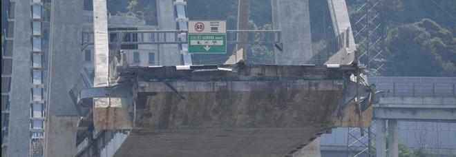 Ponte Morandi, l'ingegnere che si occupò dei rinforzi: «Forse la causa del crollo è la caduta di una rotolo d'acciaio da un Tir»