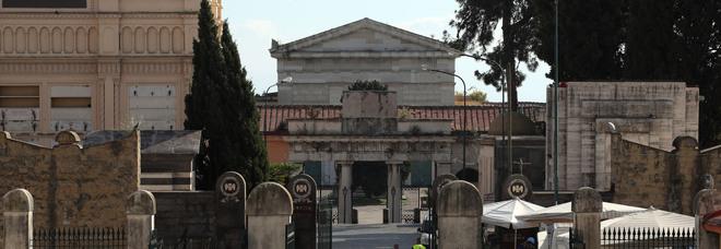 Napoli, querelle loculi cimitero di Poggioreale: lettera aperta a Mattarella e diffida all'Amministrazione cittadina
