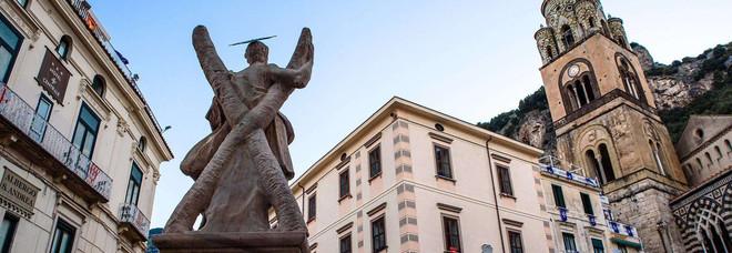 Amalfi, il restauro della fontana coi soldi della tassa di soggiorno ...