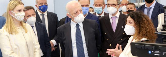 Green pass, la Campania va avanti con la card già distribuita: «Una cartella clinica digitale»