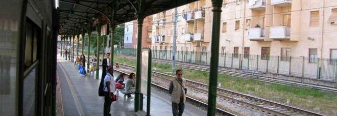 Treno guasto fermo alla stazione Leopardi: dieci regionali cancellati
