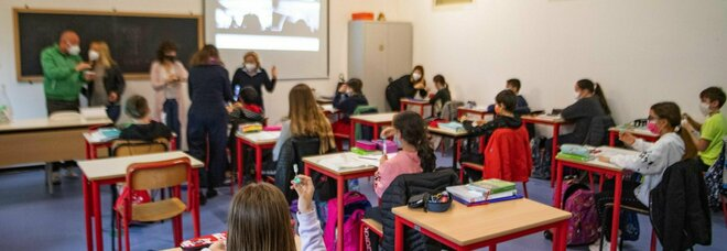 Prof assente da scuola 769 giorni per fare lavori extra, indagato per truffa da 110mila euro