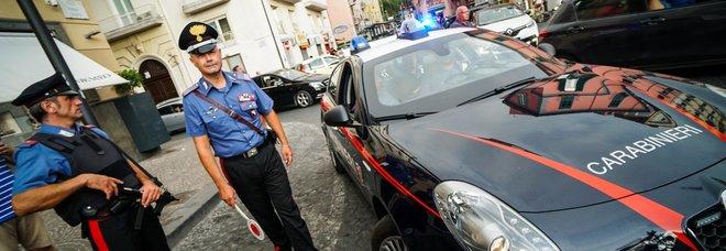 Carabiniere aggredito a Castellammare, scattano 4 arresti: preso anche l'uomo che ha rubato il borsello