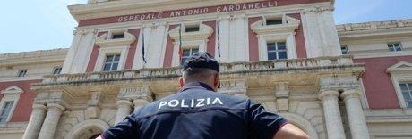 «Ambulanze della camorra favorite all'ospedale Cardarelli»