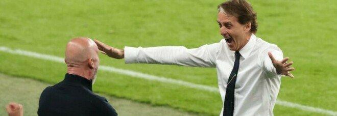 Gianluca Vialli compie 57 anni, gli auguri social di Roberto Mancini: «Tanti auguri bomber e fratellino»