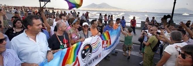 Napoli, ragazzo gay pestato dopo aver partecipato al Pride