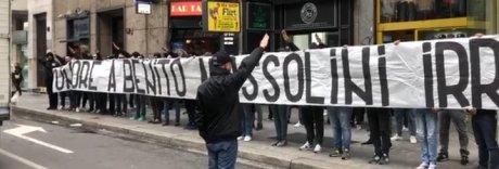 Striscione fascista a Milano, indagati otto ultrà laziali