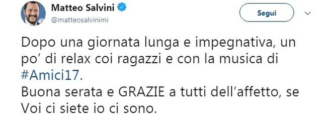 Matteo Salvini guarda la finale di Amici 17: «Un po di relax, se voi ci siete io ci sono»
