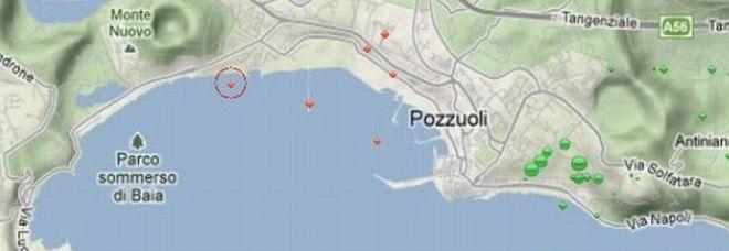 Sciame sismico a Pozzuoli, boati e paura 113 scosse in 75 minuti: gente in strada Martini: «Possibili altri eventi»/Ascolta