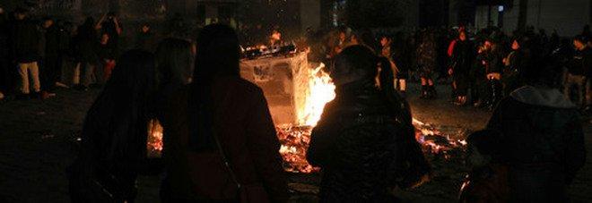 Napoli, assembramenti durante il «cippo» di Sant'Antonio, denunciato un giovane per resistenza
