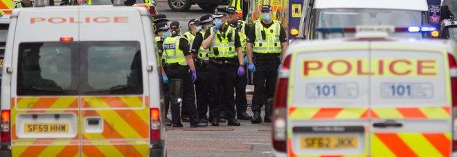 Glasgow, 3 morti accoltellati in un hotel. Poliziotto tra i feriti, ucciso l'assalitore