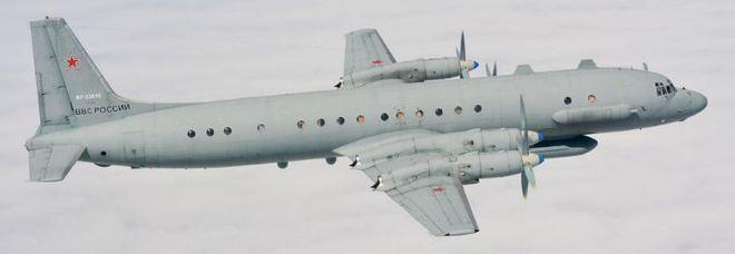 Aereo spia russo abbattuto dalla Siria, 15 morti. Ira di Mosca: «Colpa di Israele»