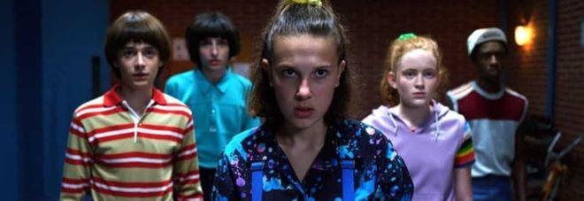 "Coronavirus, Netflix, Apple e Disney sospendono tutte le produzioni: stop anche a ""Stranger Things 4"""
