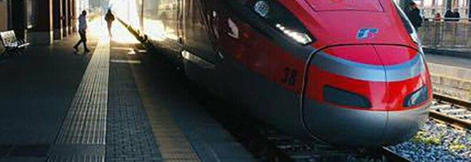 Trenitalia va incontro ai pendolari campani: «Servizi aggiuntivi per il rientro a casa»