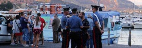Sparatoria nel porto di Baia dopo una lite: arrestati i due pistoleri