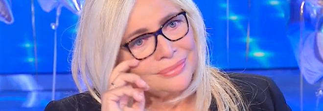 Mara Venier compie 70 anni e si racconta a Conti. Lacrime per i nipoti: «Spero di godermeli»