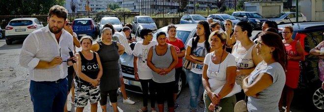 Casa, protestano gli inquilini nel parco di Scampia set di Gomorra
