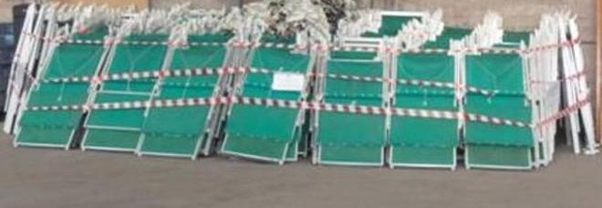 Noleggio Sdraio E Ombrelloni Normativa.Miliscola Sequestrati Ombrelloni E Lettini Sulla Spiaggia Libera