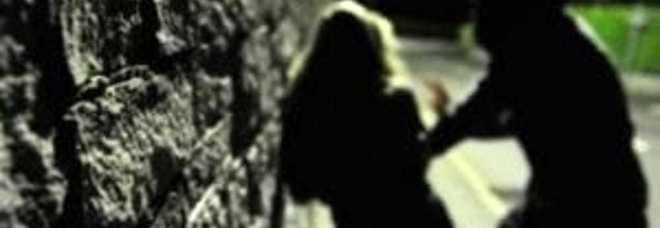 Molesta una 16enne in strada, arrestato un 40enne di origini marocchine