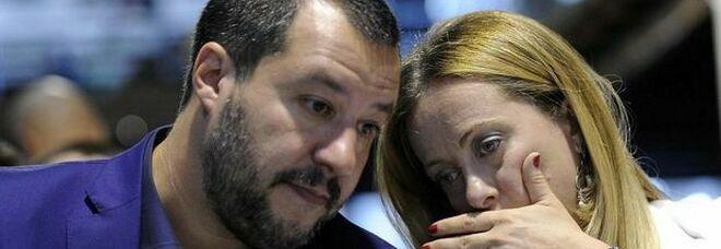 Sondaggi, il sorpasso della Meloni su Salvini: così cambia l'assetto nel centrodestra
