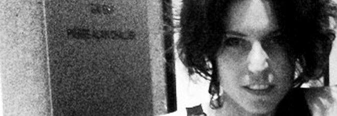 Stilista impiccata a Milano, il pm chiede nuova perizia. La difesa del fidanzato: «Si è suicidata»