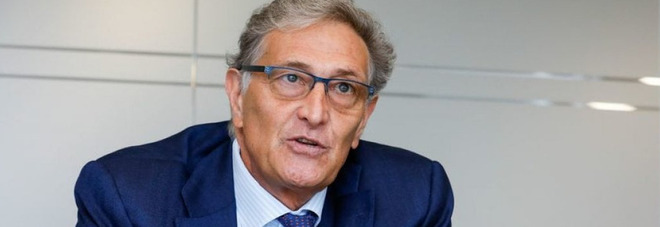 Astrazeneca, Rasi: «Non ci possiamo fermare: i benefici superano i rischi»