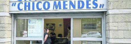 Reddito cittadinanza, i disoccupati già in coda al Caf di Scampia