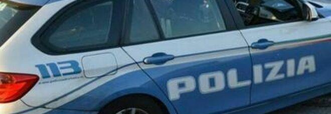 Napoli, ai domiciliari con la droga in casa: arrestato