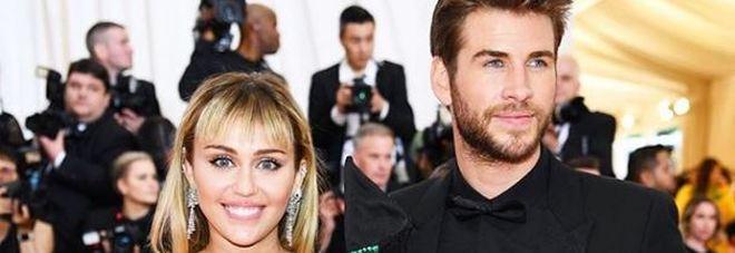 Hannah Montana Nella Vasca Da Bagno.Miley Cyrus E Liam Hemsworth Si Lasciano A 8 Mesi Dalle