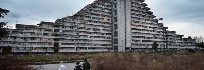 Case occupate a Napoli, sì alla quinta sanatoria: condannati inclusi