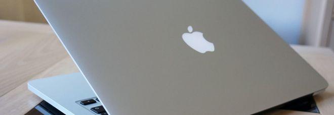MacBook Pro 2015 richiamati da Apple: «Rischio incendio per problemi alla batteria»
